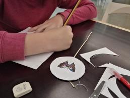 taller infantil manualidades taumatropo animación Mugigeldi
